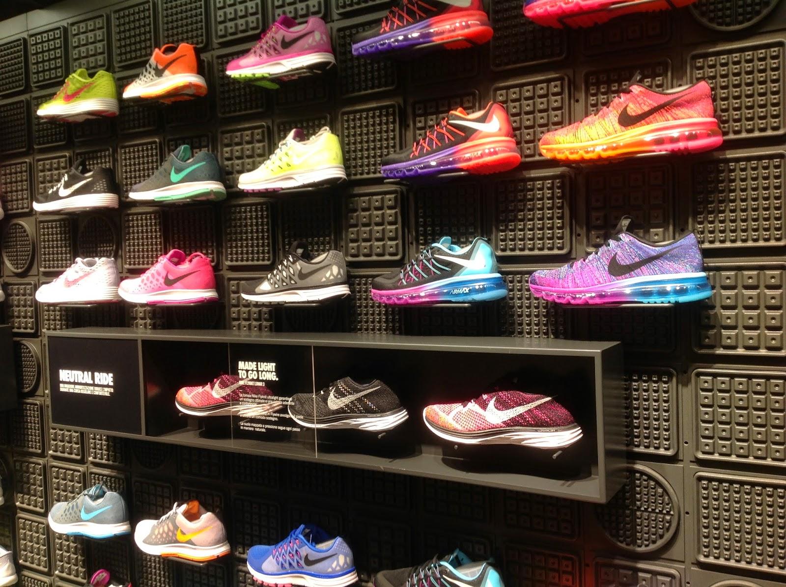 Scarpe Nike Negozi 4x14sx Torino Via 453LjAR
